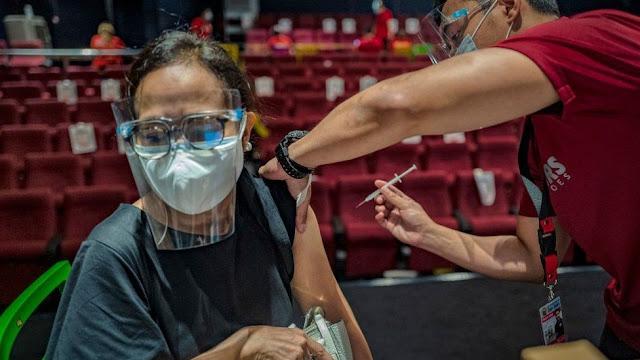 Arab Saudi dan Uni Eropa Melarang Wisatawan yang Disuntik Vaksin Made In China