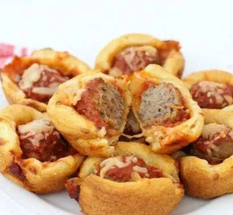 CHEESY MEATBALL BITES #gameday #appetizers