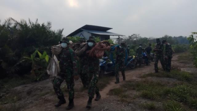 Tak Kenal Libur, Prajurit TNI Berjibaku Cegah Karhutla