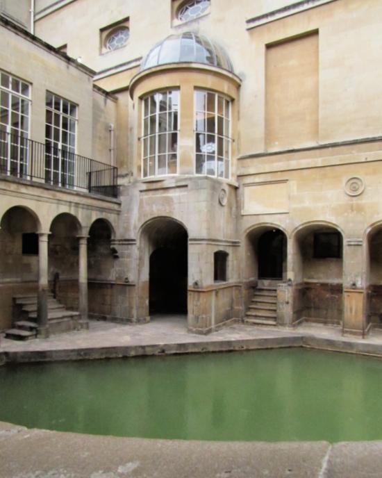 roman baths pool in bath, uk