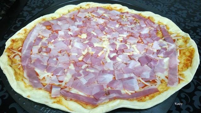 Pizza De Quesos Variados