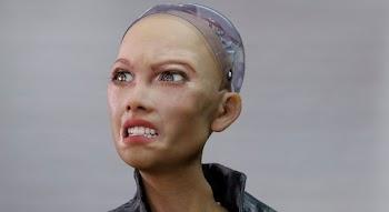 Robô Sophia que prometeu destruir humanos será produzido em massa