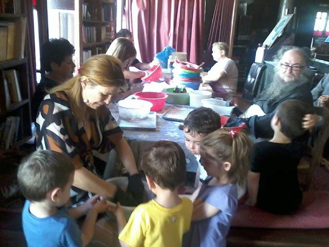 Ναύπλιο: Μικρά Δον Πινελάκια έμαθαν να παρασκευάζουν λιβάνι