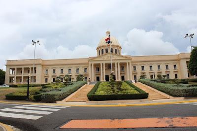 Presidente Danilo Medina designa mediante decreto consulados en China