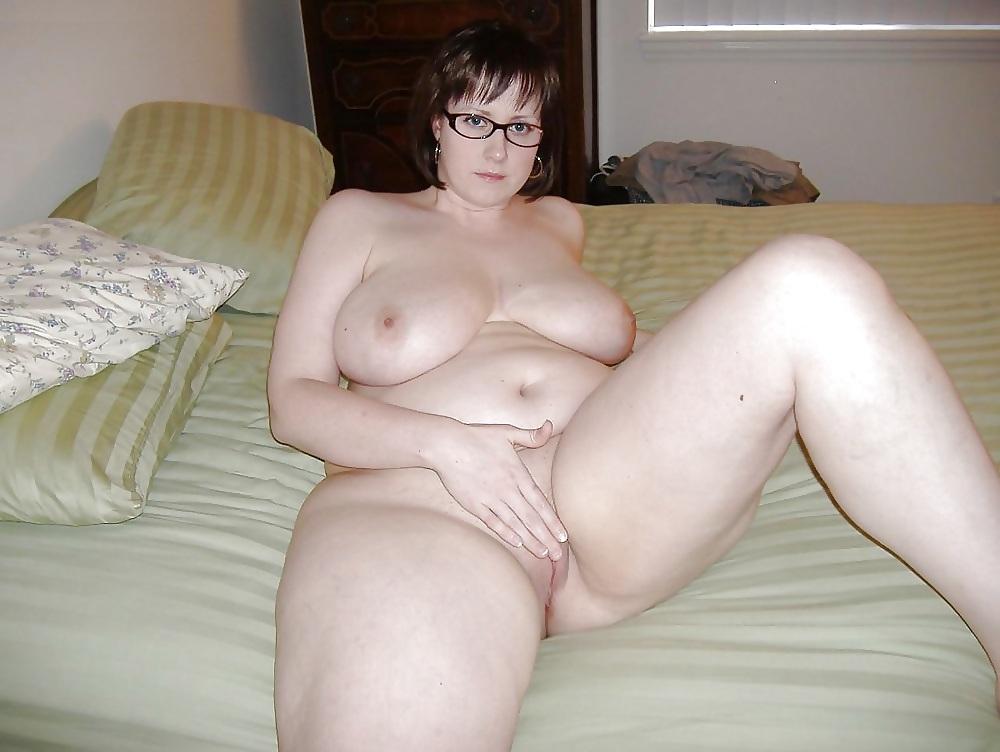 Nice girls kissing naked