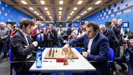 Avec les Blancs, l'Azéri Shakhriyar Mamedyarov choisit la variante Noa contre la défense Nimzo-Indienne du Norvégien Magnus Carlsen  - Photo © Alina L'Ami