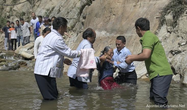 Bautismo de cristianos en China