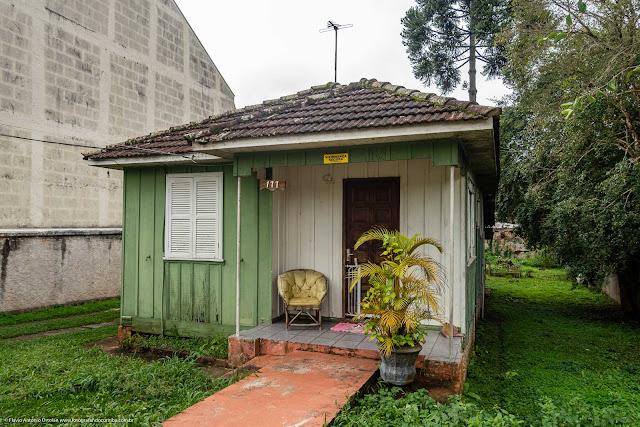 Casa de madeira no Bacacheri