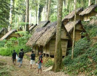 http://www.teluklove.com/2017/03/destinasti-keindahan-wisata-kampung.html