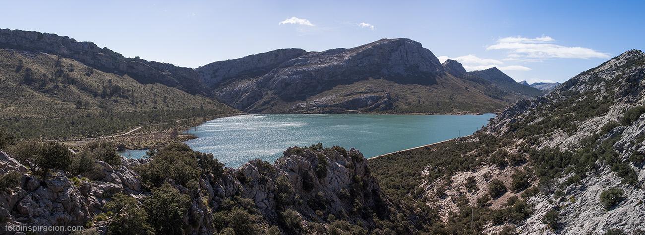 El embalse de Cúber junto con el embalse de Gorg Blau, situados ambos en el municipio de Escorca, abastecen de agua a Palma de Mallorca