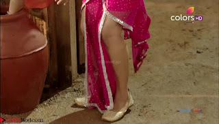 Madhurima Tulli Stunning TV Show Actress in beautiful Pink Saree