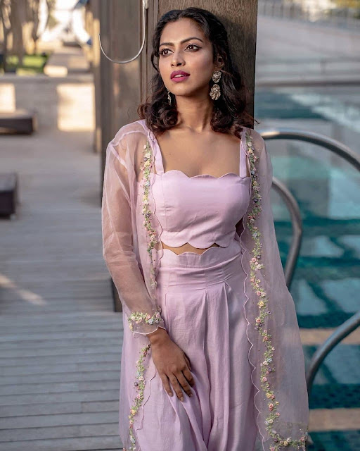 Amala Paul navel images