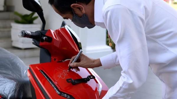 Begini Cerita Warren Tanoesoedibjo Menang Lelang Motor Jokowi Rp 2,55 M