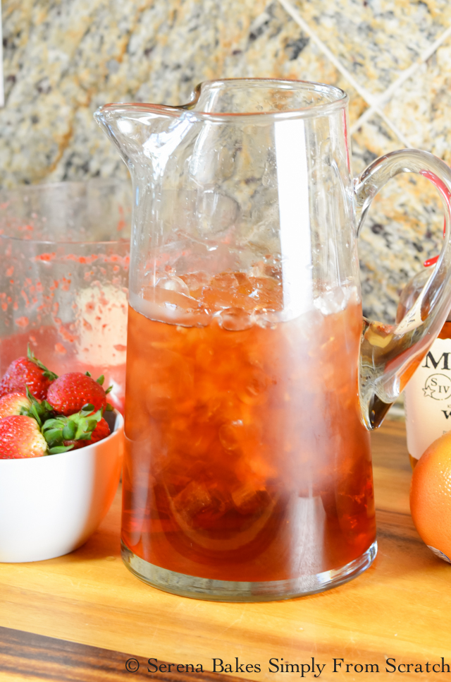 Strawberry-Grapefruit-Whiskey-Iced-Tea-Ice.jpg