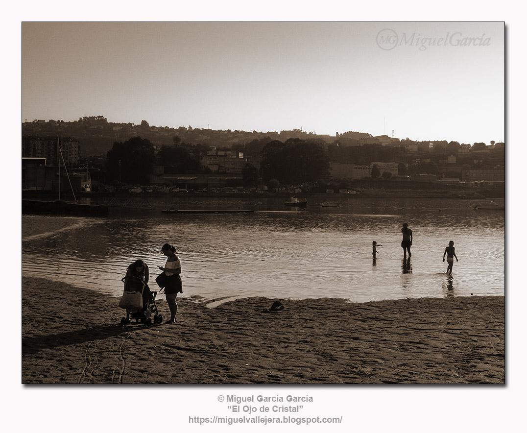 Santa Cristina, Oleiros (A Coruña).- Atardecer en sepia.