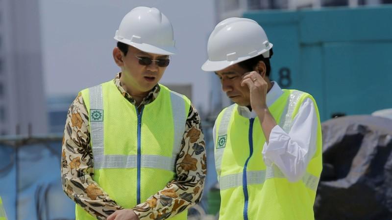 Jokowi dan Ahok meninjau perkembangan proyek simpang susun Semanggi