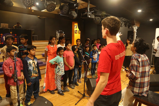 Kids practice for their performance at Global Citizen Festival India 2016 (2)
