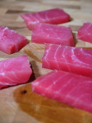 sliced raw tuna