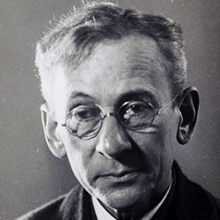 Lewis Hine, an American sociologist and photographer.