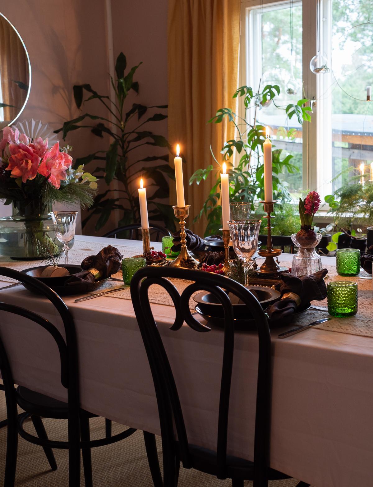 joulupöydän kattaus vinkit