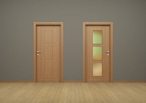 Pintu swing bahan kayu