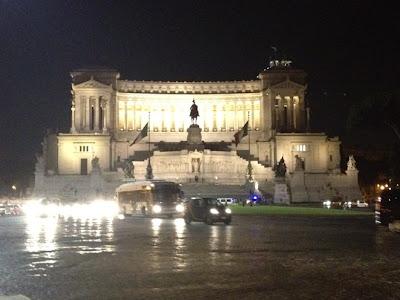 Historia y Turismo en Roma, Lugares Turisticos en Roma, Monumento a Vittorio Emanuelle II, Monumentos Romanos, Que visitar en Roma, Turismo en Roma,