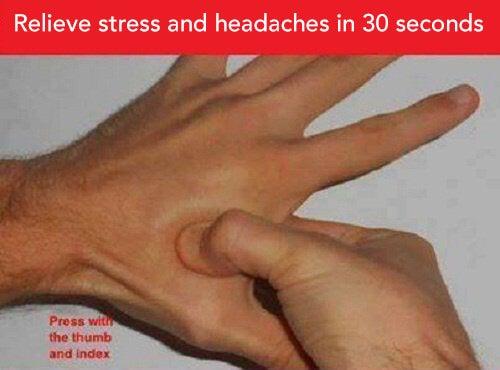 Mẹo làm giảm đau đầu và căng thẳng bằng cách bấm huyệt
