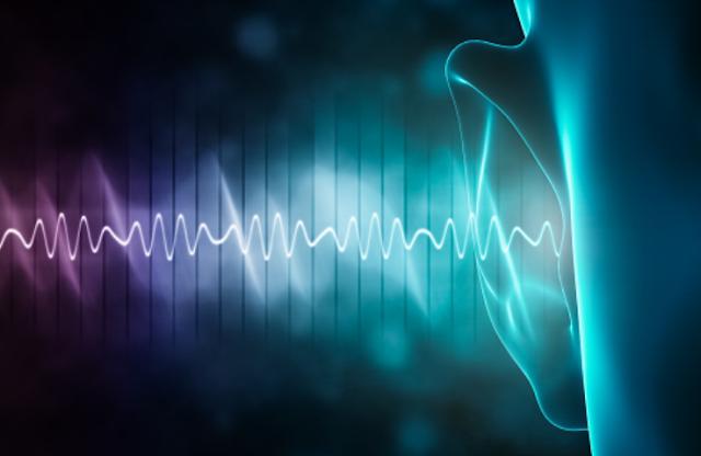 "Frekuensi Getaran Bunyi Pengertian Bunyi Bunyi adalah gelombang longitudinal yang merambat melalui medium yang dihasilkan dari suatu getaran. Dimana dalam perambatannya arahnya akan sejajar dengan arah getarannya. Getaran benda yang dapat menghasilkan bunyi disebut dengan sumber bunyi.  Frekuensi Getaran Bunyi Berdasarkan frekuensinya, bunyi dibedakan menjadi 3 macam yang diantaranya adalah : Infrasonik Infrasonik adalah bunyi yang frekuensinya kurang dari 20 Hz. Hewan yang dapat mendengar bunyi infrasonik adalah jankrik. Audiosonik  Audiosonik adalah bunyi yang frekuensinya antara 20 - 20.000 Hz. Bunyi yang dapat didengar oleh manusia adalah audiosonik. Ultrasonik Ultrasonik adalah bunyi yang frekuensinya lebih dari 20.000 Hz. Hewan yang dapat mendengar bunyi ultrasonik adalah lumba-lumba dan kelelawar.   Nah itu dia bahasan dari frekuensi getaran bunyi, melalui bahasan di atas bisa diketahui mengenai pengertian bunyi dan frekuensi getaran bunyi. Mungkin hanya itu yang bisa disampaikan di dalam artikel ini, mohon maaf bila terjadi kesalahan di dalam penulisan, dan terimakasih telah membaca artikel ini.""God Bless and Protect Us"""