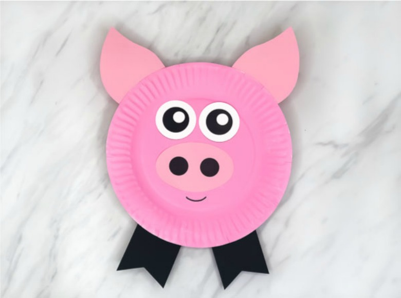 Paper plate animals pig craft