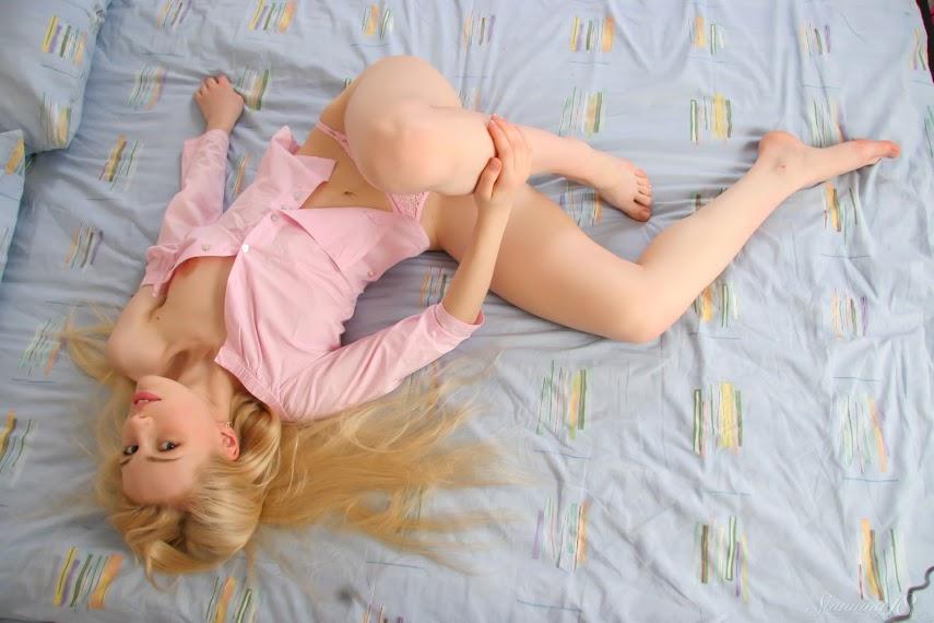 [Stunning18] Olya N - Hot On Bed