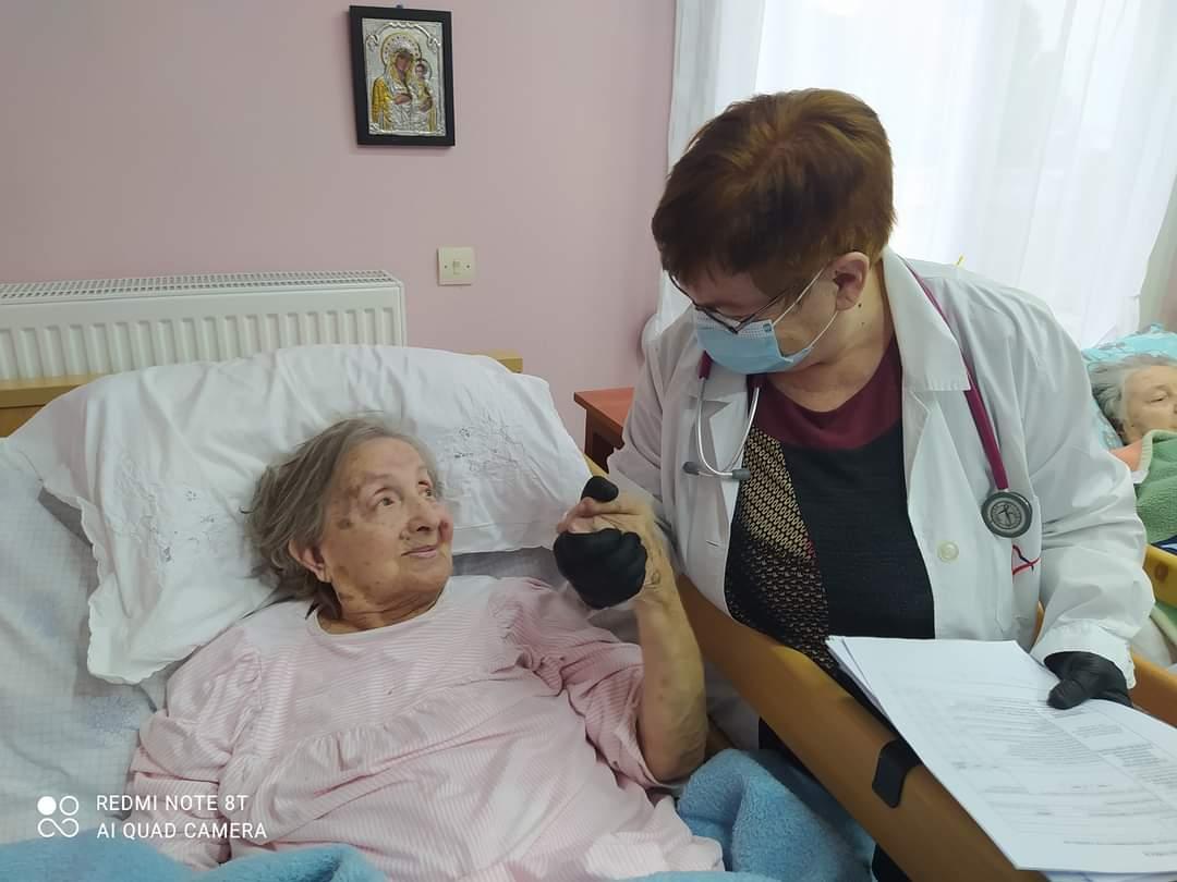 Εμβολιασμοί στα Γηροκομεία της Ξάνθης - Με χαμόγελο οι ηλικιωμένοι