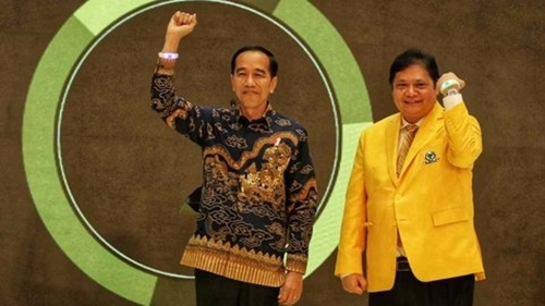 Pakar Desak Presiden Jokowi Copot Airlangga Hartarto
