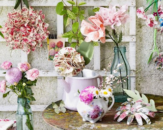 http://www.lesplaisanteries.fr/2019/06/fleurs-en-tissu-pour-marie-claire-idees.html