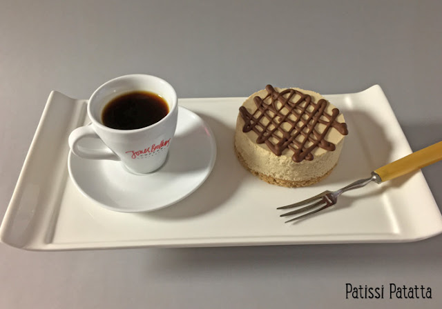 Bavarois au café, bavarois individuels, crème bavaroise au café, biscuits au café, jones brothers coffee, makeacoffeechange, coffeegoesgreen, capsules café compostables, café équitable, pâtisserie au café, dessert au café, patissi-patatta