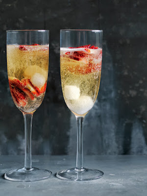 cocktail recipe strawberry and bitters sparkling