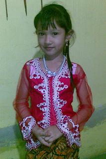 Gambar Contoh Kebaya Anak Perempuan untuk Hari Kartini