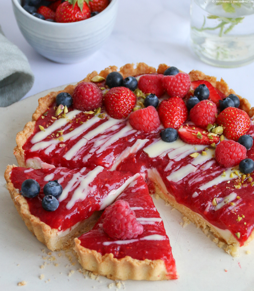 Berry - White Chocolate Tarte