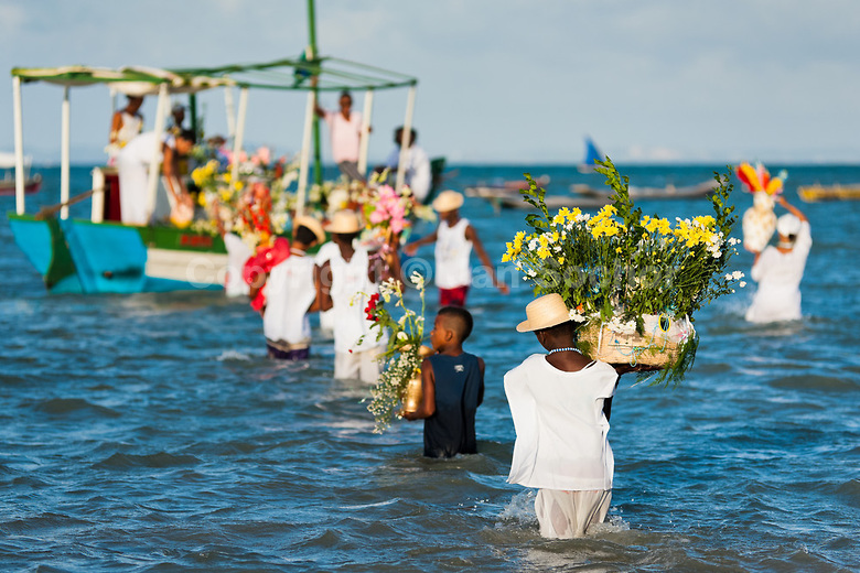 TRIP DOWN MEMORY LANE   Statue of Yemanja, the queen of the sea ! Candomble Culture.  Candomblé devotees carry flower baskets onto a boat during the ritual ceremony in honor to Yemanjá, the goddess of the sea     CANDOMBLE PRIEST (BABALORISHA) DANCES TO A RITUAL CEREMONY SONG