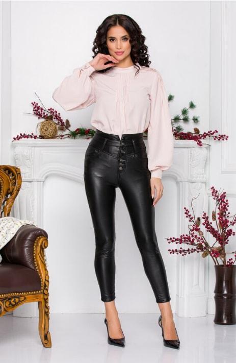 Pantaloni negri din piele ecologica cu nasturi