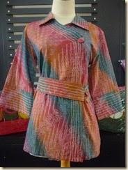 Model Baju Batik Lurik Wanita Kantoran Modern Terbaru