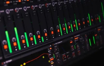 घर पर (Music) म्यूजिक कैसे बनाये - Home Music making software