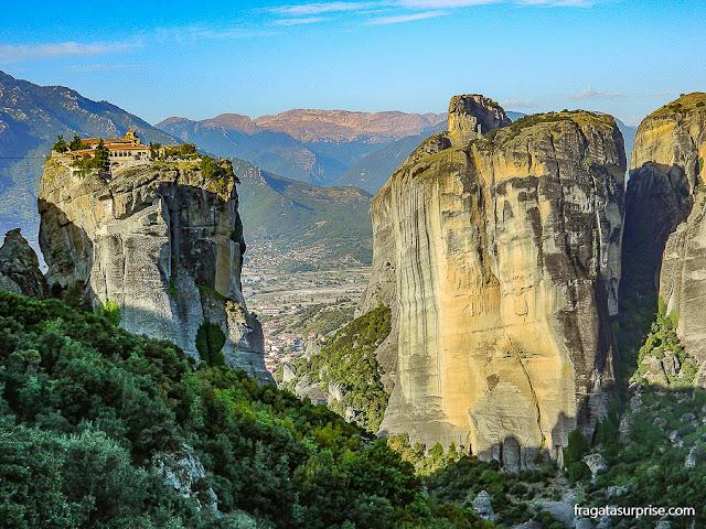 Mosteiros suspensos de Meteora, Tessália, Grécia