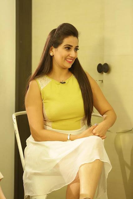 TV Anchor Manjusha Photos In Green Top Navel Queens