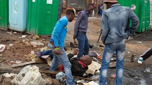 Xenophobia: South Africans begin killing and looting Nigerian businesses in a new  attack