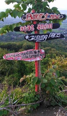 Wisata Bukit Jomblo Tulungagung