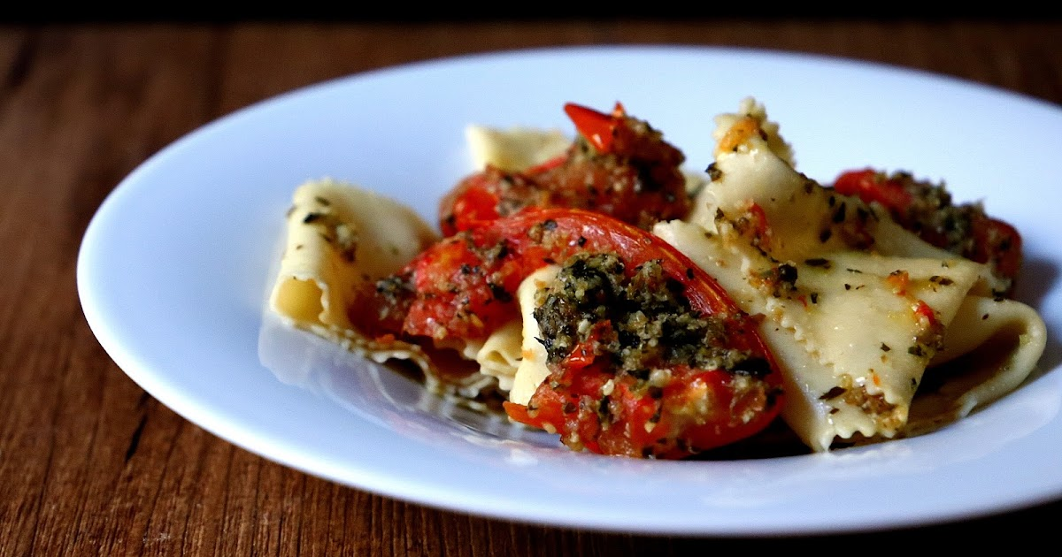 Extrabreit: Pappardelle con pomodori ripieni al forno