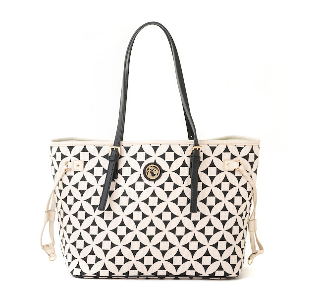 Spartina 449 Opens First Outlet Store Near Savannah Georgia    via  www.productreviewmom.com