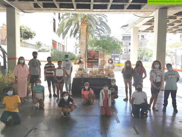 Finaliza el taller de cestería creativa de Los Llanos con la participación de 19 niños y niñas