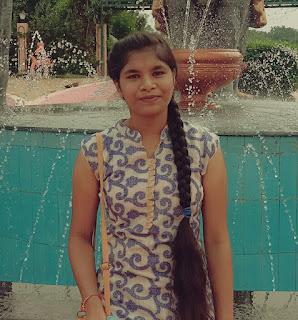 उत्कृष्ट विद्यालय की छात्रा शिवानी का नीट परीक्षा में चयन होने पर दी बधाई