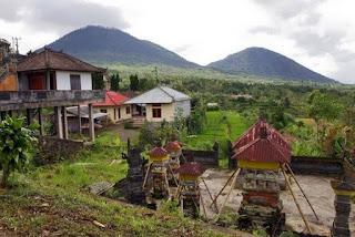 http://www.teluklove.com/2017/02/destinasti-objek-wisata-desa-batukaang.html